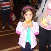 02. Il pane di Altamura distribuito ai pellegrini