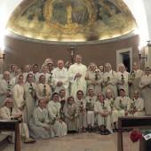 11. Suore di Ravasco con Arcivescovo Boccardo