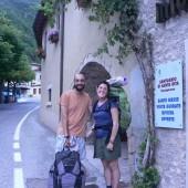 Francesca e Massimiliano pellegrini sulla via di S. Benedetto