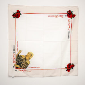 papa-francesco-santa-rita-cascia-roccaporena-foulard